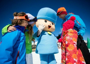 5 propuestas para esquiar con niños