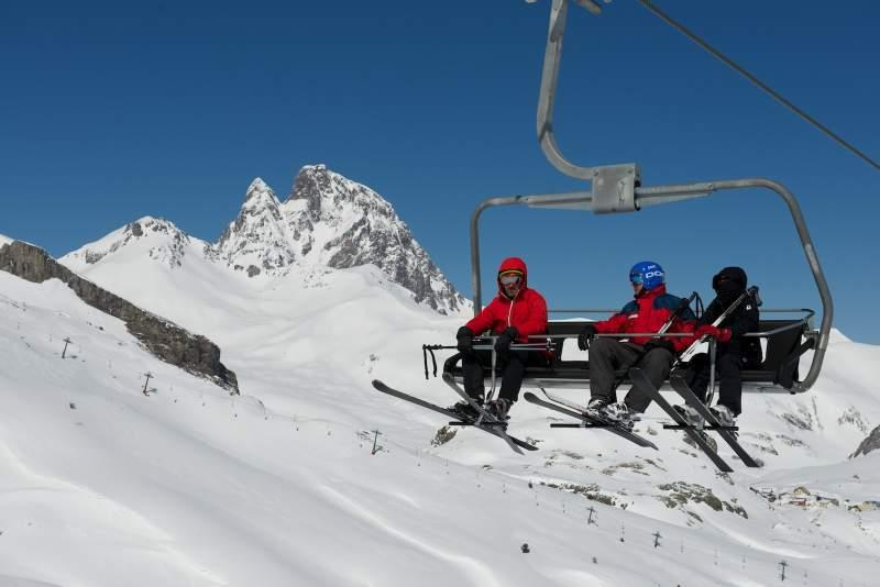 Aramón, Astún y Candanchú renuevan el acuerdo 'Ski Pirineos'