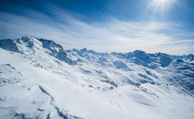 Esquiar en la jubilación: pros, contras y dónde ir