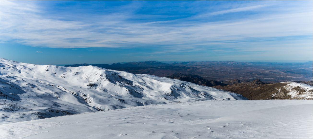 El Ayuntamiento de Granada ha mantenido sus clases de esquí en Sierra Nevada para familias