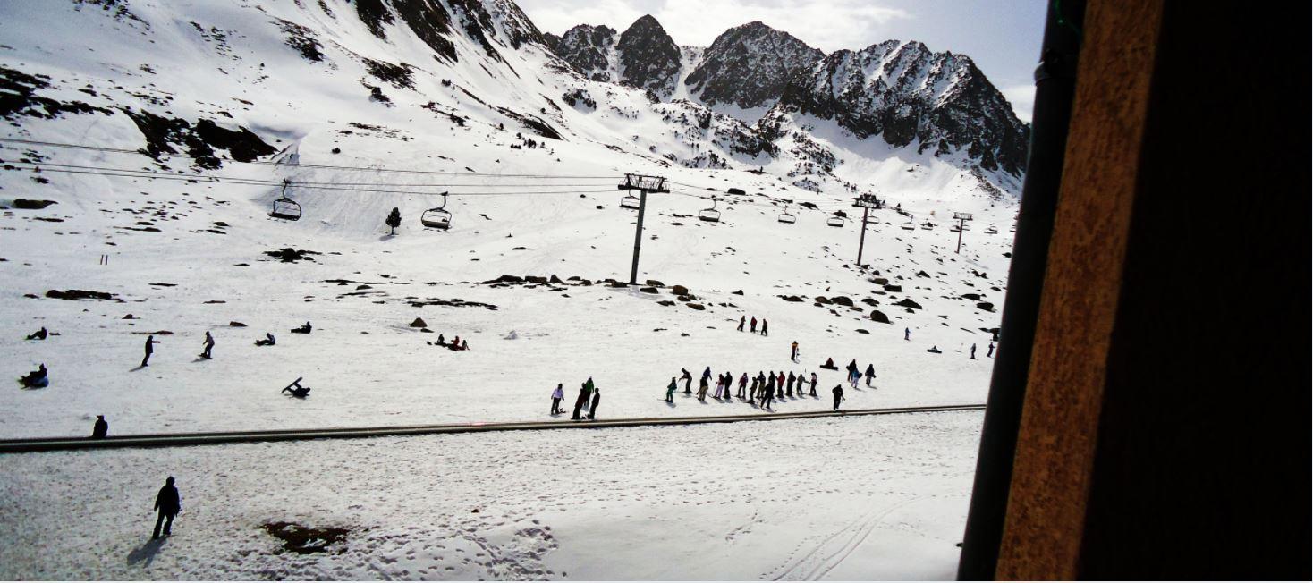 Andorra aplaza la apertura de las estaciones al público a final de mes