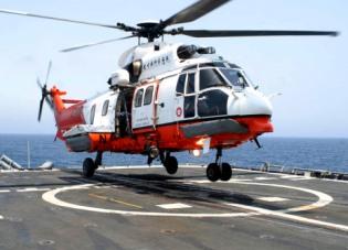 Un helicóptero en las obras del nuevo telesilla de Val D'Allos
