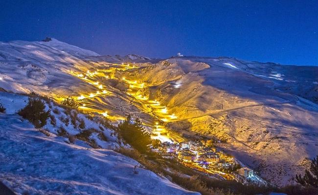 Sierra Nevada inaugura el sábado el esquí nocturno