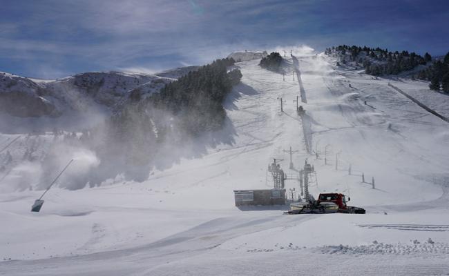 Masella abrió ayer recibiendo a más de 3000 esquiadores