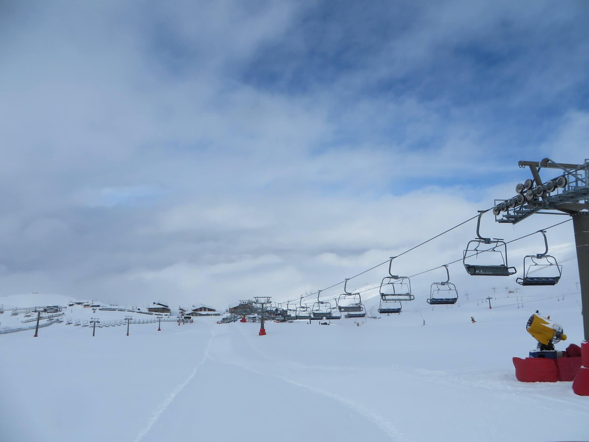 Sierra Nevada recibe hasta 40 cm de nieve