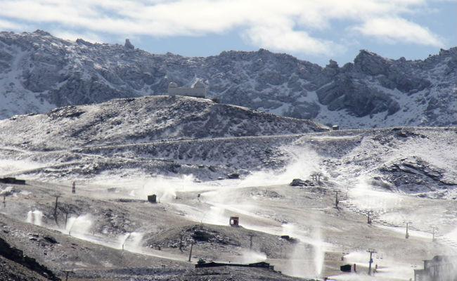 Sierra Nevada activa el sistema de nieve producida