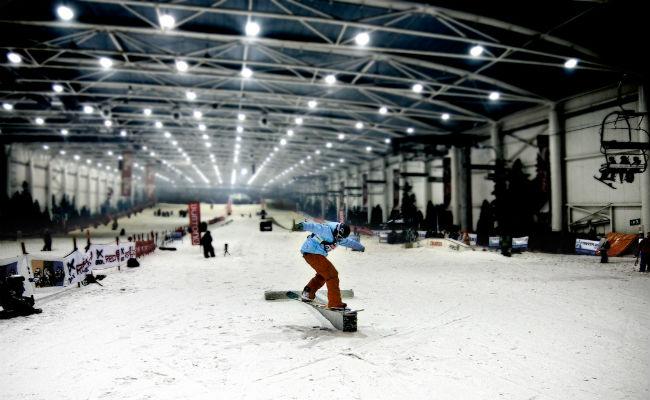 La RFEDI diseña en Madrid Snowzone una nueva pista de SBX